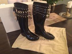 100% Authentic Burberry rain-boots!! brand New!! Size 5. Run