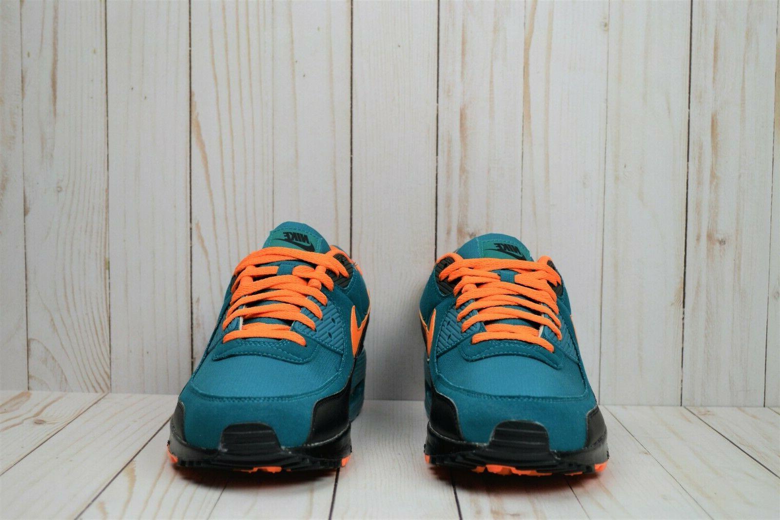 NIB Nike Max 90 Custom Running